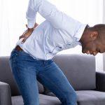 中腰姿勢の腰痛はこれが原因!